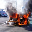 ローソンPで車炎上!!